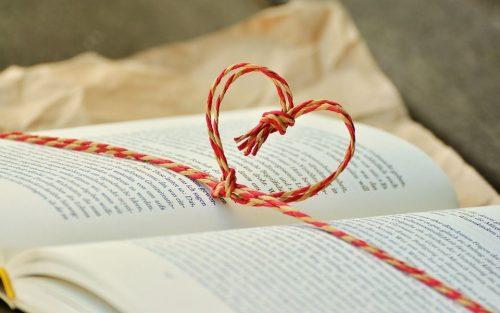10 цікавих TED лекцій про книжки, письменників та читачів.