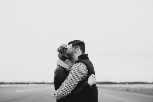 Мы совпали: 20 пронзительных стихов о любви.